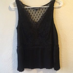NWOT Butterfly detailed peplum/pleated blouse